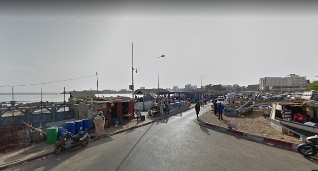 Les trente migrants ont été interceptés près de la plage de Soumbédioune à Dakar. Crédit : Capture d'écran Google Street View