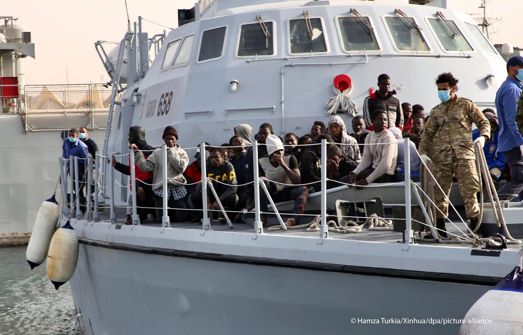 Libyan coast guards intercepted a boat carrying 108 Europe-bound migrants and returned them to Tripoli in April | Photo: Picture alliance/dpa/XinHua | Hamza Turkia