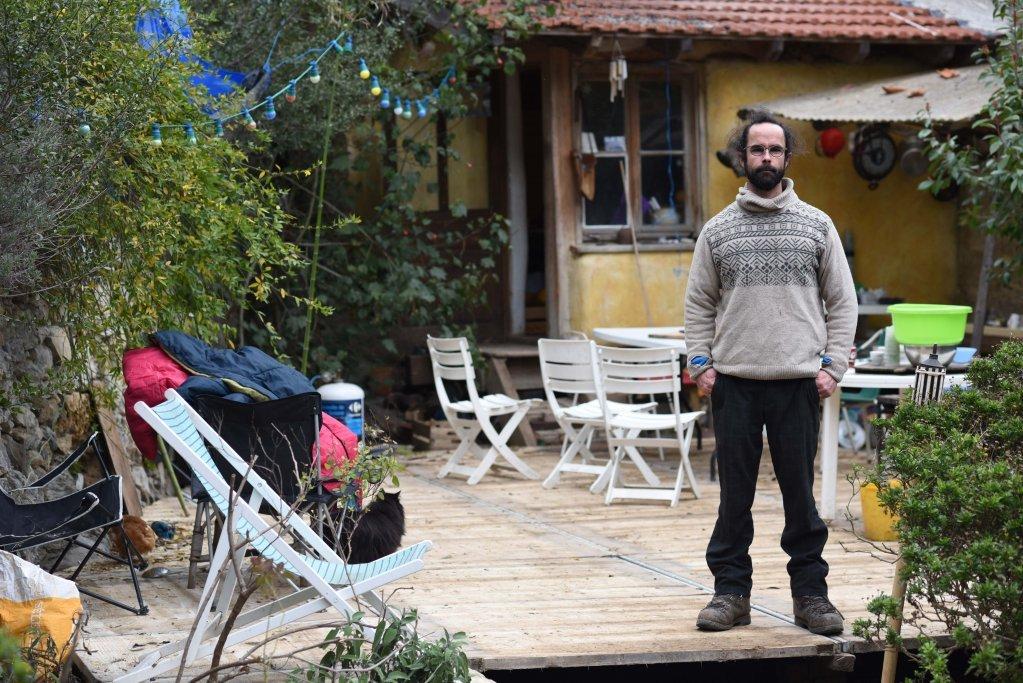 سيدريك هيرو في بيته - مدينة براي سور لاروايا