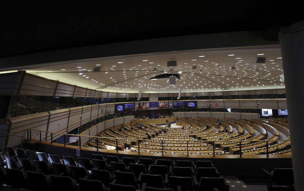 جلسة البرلمان الأوروبي في بروكسل في 11 شباط/ فبراير2021. المصدر: إي بي إيه / أوليفر هوسليت.