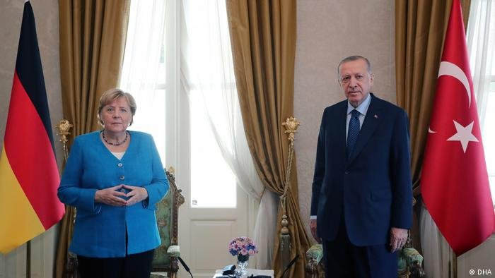 دیدار انګلا مرکل با رجب طیب ادغان در استانبول (اکتوبر ۲۰۲۱)