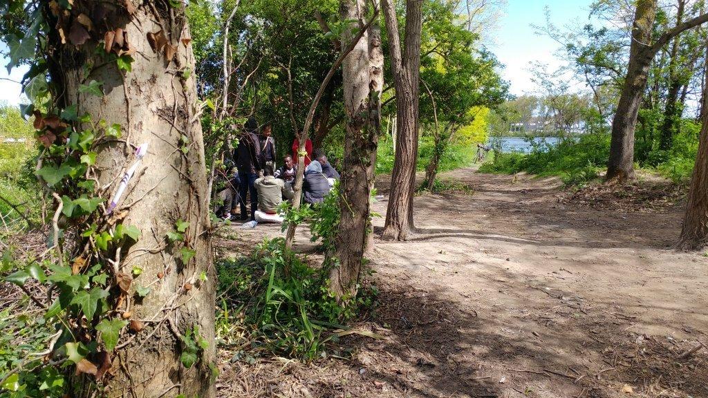 بين 150 و 200 مهاجر في مدينة أويستريهام في منطقة النورماندي السياحية / بول شيرون