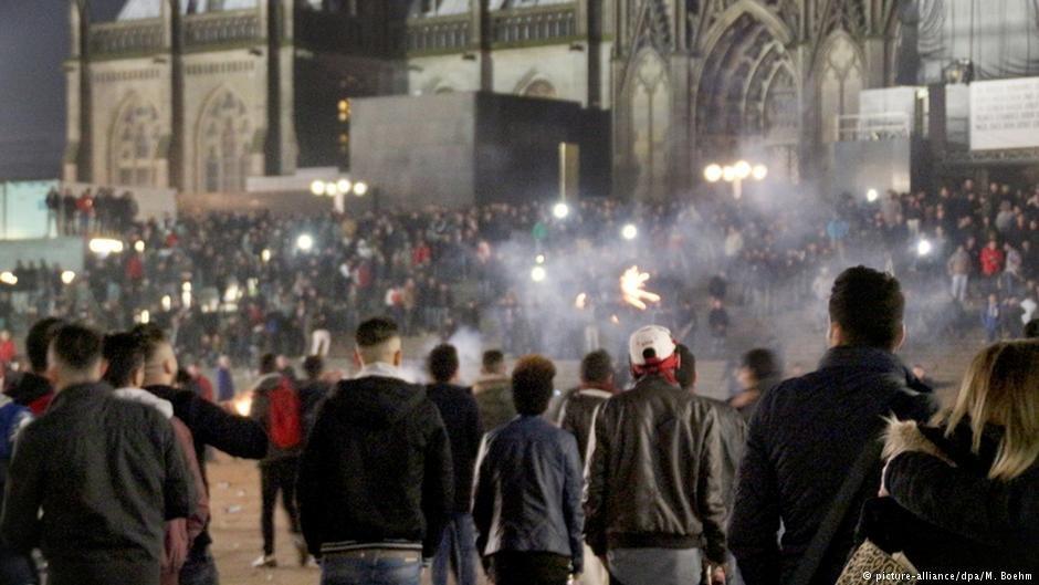 """""""شوک شب سال نو"""": در اثر آزار ها و دست درازی های جنسی در ۳۱ دسمبر ۲۰۱۵ در شهر کُلن"""