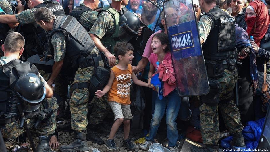 عکس از آرشیف دویچه وله/ از کودکان مهاجر در مرز یونان و مقدونیه شمالی