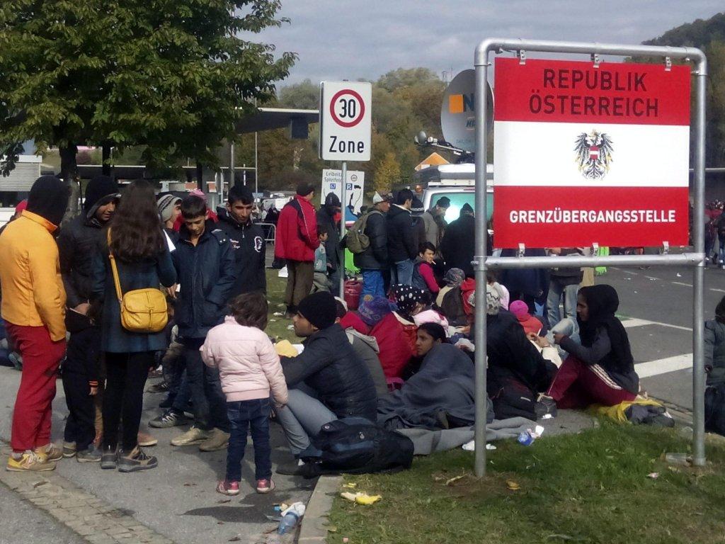 مرز سلوانیا با اتریش. اتریش از سپتمبر سال ۲۰۱۵ و در حالی که بحران مهاجرت جریان داشت،  کنترول مرزهای مشترکش با سلوانیا و مجارستان را آغاز کرد.