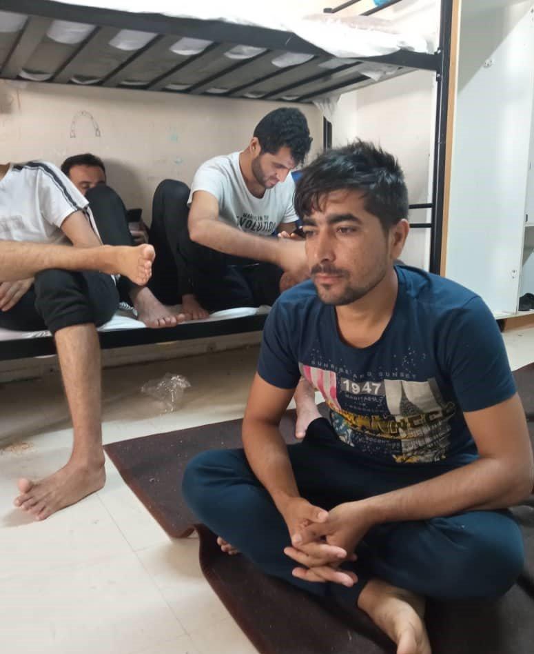 عبدالرحیم همت  د یونان د زانتي د کډوالو په بند کمپ کې له . اتیرو دوو میاشتو راهیسې بند کې ساتل کیږي. انځور: عبدالرحیم همت.