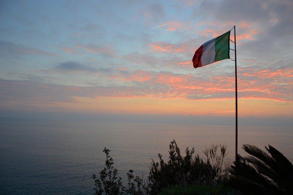 العلم الإيطالي. المصدر: ماكس بيكسل