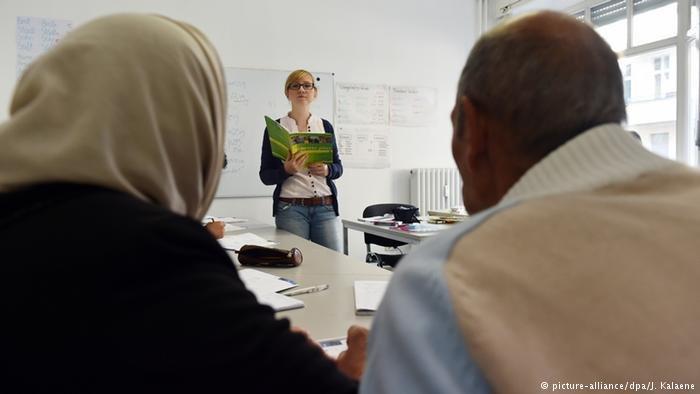 يخفق حوالي نصف المشاركين في دورات الاندماج في ألمانيا في اجتياز الاختبار النهائي