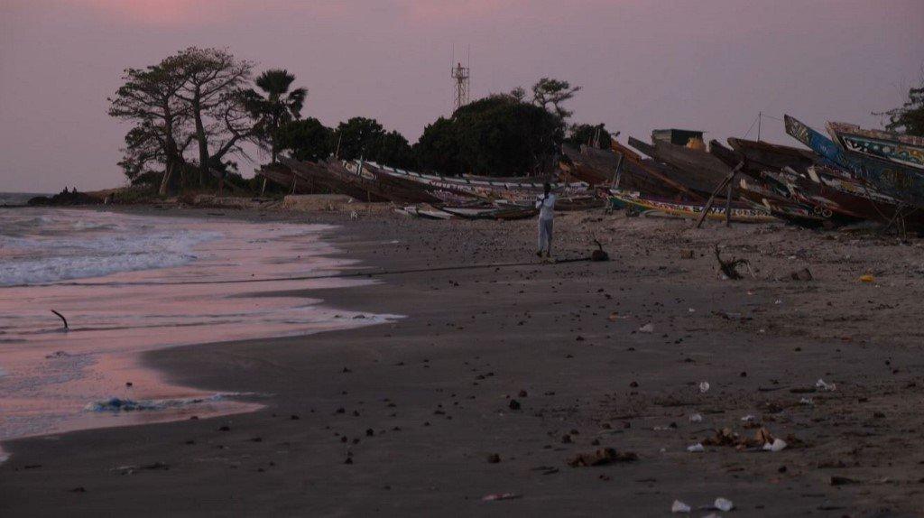 Romain CHANSON / AFPTV / AFP |Une plage de Barra, en Gambie, le 5 décembre 2019. (image d'illustration)