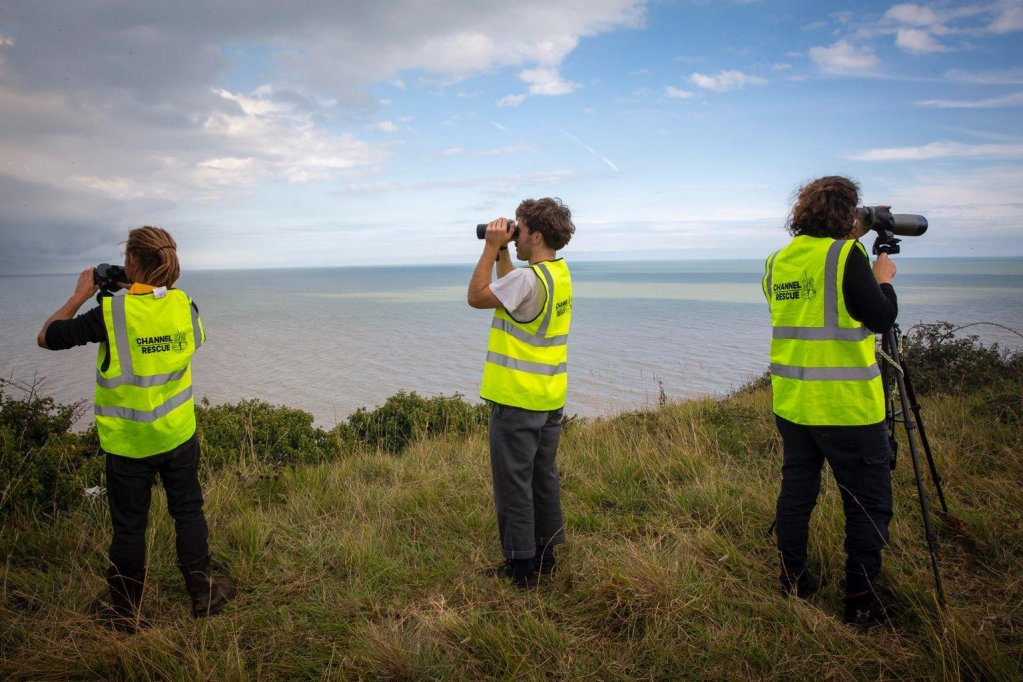 اعضای داوطلب سازمان Channel Rescue هفته سه بار از سواحل کنت عملیات نجات یا انتقال مهاجران را نظارت میکنند. عکس از  Channel Rescue