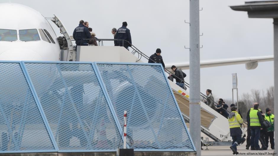 تا اخیر ماه جولای امسال حدود ۲۳۵ هزار تن مکلف به ترک خاک آلمان بوده اند.