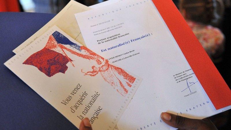 أكثر من 12 ألف شخص نالوا الجنسية الفرنسية بسبب دورهم أثناء الأزمة الصحية. الحقوق محفوظة