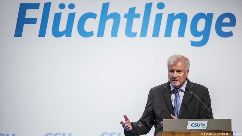 A picture of German Interior Minister Horst Seehofer from the Bavarian Christian Party CSU | Photo: Picture-alliance / dpa/ M. Müller