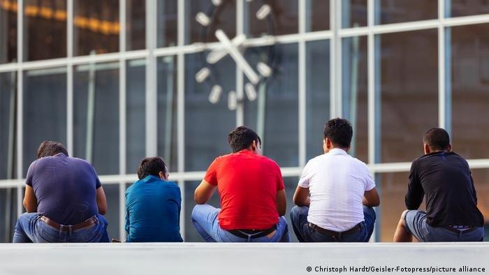 Christoph Hardt/Geisler-Fotopress/picture alliance |تحذر منظمات حقوقية وكنائس من أي ترحيلات إلى سوريا