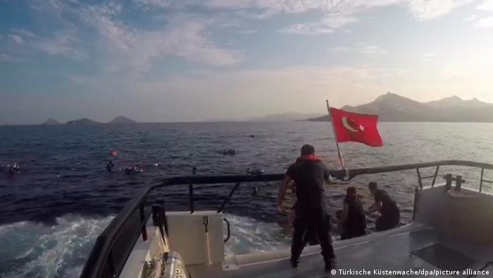 عملیات نجات گارد ساحلی ترکیه (آرشیف)