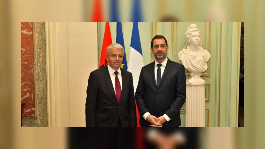 Christophe Castaner, le ministre de l'Intérieur français, et son homologue albanais Aleksander Lleshaj en visite à Paris le 27 mars. Crédit : Ministère de l'Intérieur