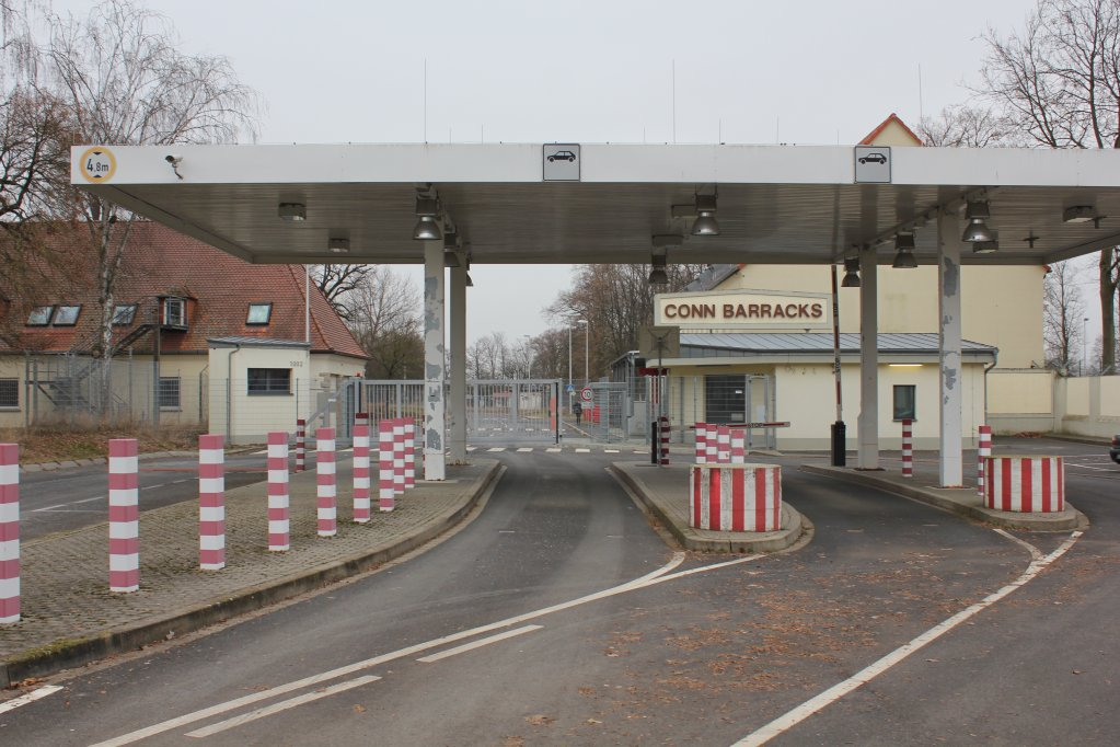Entry area of the Conn Barracks, home of the new anchor center in Geldersheim/Niederwerrn, northern Bavaria | Photo: Johannes Hardenacke, government of Lower Franconia