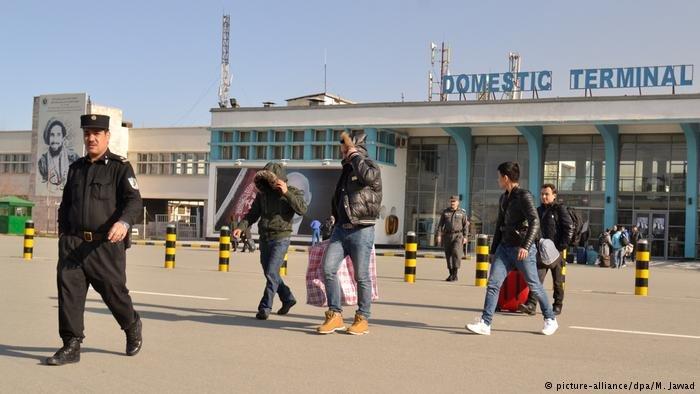 وصل 38 أفغانياً إلى مطار كابول بعد ترحيلهم من ألمانيا (الصورة من الأرشيف لمطار كابول)