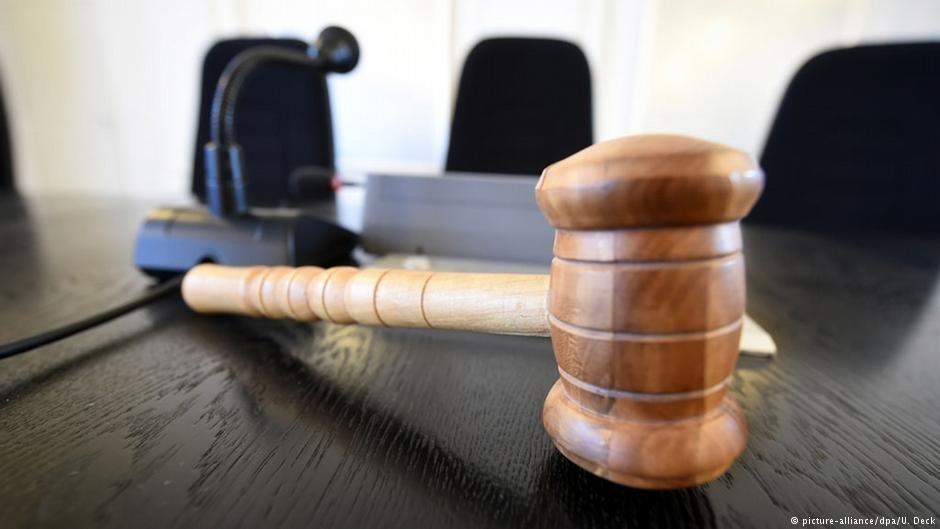 Les élèves avocats de l'EFB proposent une permanence juridique spécialisée dans le droit d'asile. Crédit : Picture alliance (archive)