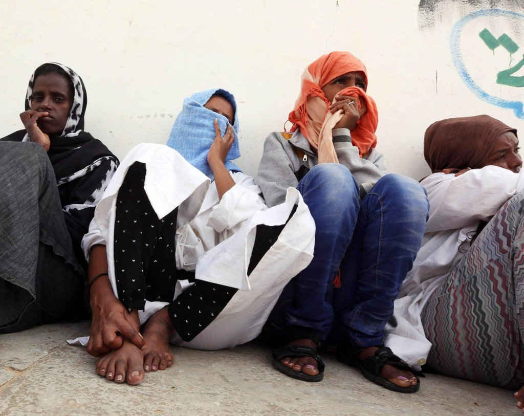 In the photo, some of the estimated 250 detained migrants at the Abu Salim detention centre in Gasr Garabulli, Alaqrablola, 60 kilometers east of Tripoli, Libya Photo/Archives/EPA Stringer