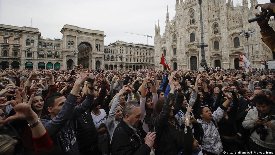 Protestors in Milan condemn racism | Photo: Picture-alliance/AP Photo/L.Bruno