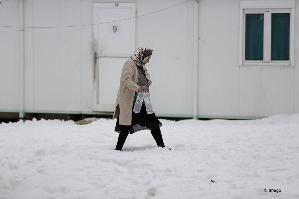 عکس: ارشیف/شماری از پناهجویان از کمپ های پرازدحام به مناطق متروکه انتقال داده شده اند. عکس: Imago