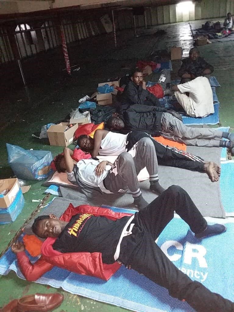 مهاجرون معتصمون على سفينة نيفين/ خاص