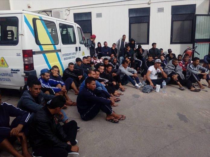 مهاجرون تونسيون في إضراب عن الطعام في لمبيدوزا/ المنتدى التونسي للحقوق الاقتصادية