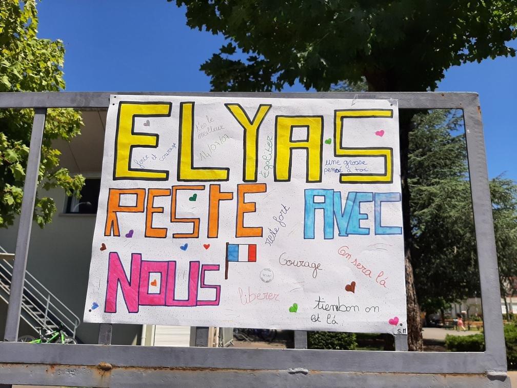 «الیاس با ما بمان!»، پیام همبستگی شاگردان و معلمان مکتب لولک در  سدران، ۱۱ جون ۲۰۲۱. عکس از اماندین بکره