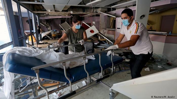 ما تبقى من أحد المستشفيات بعد الانفجار في بيروت
