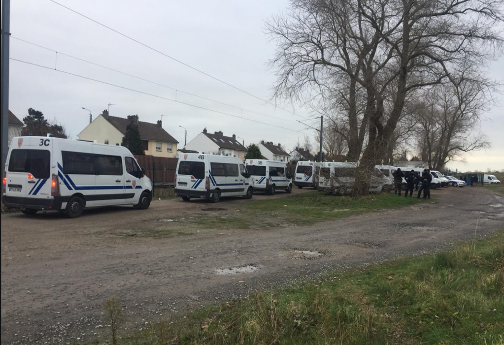 Police vans in Calais, January 12, 2019 | Photo: Utopia 56