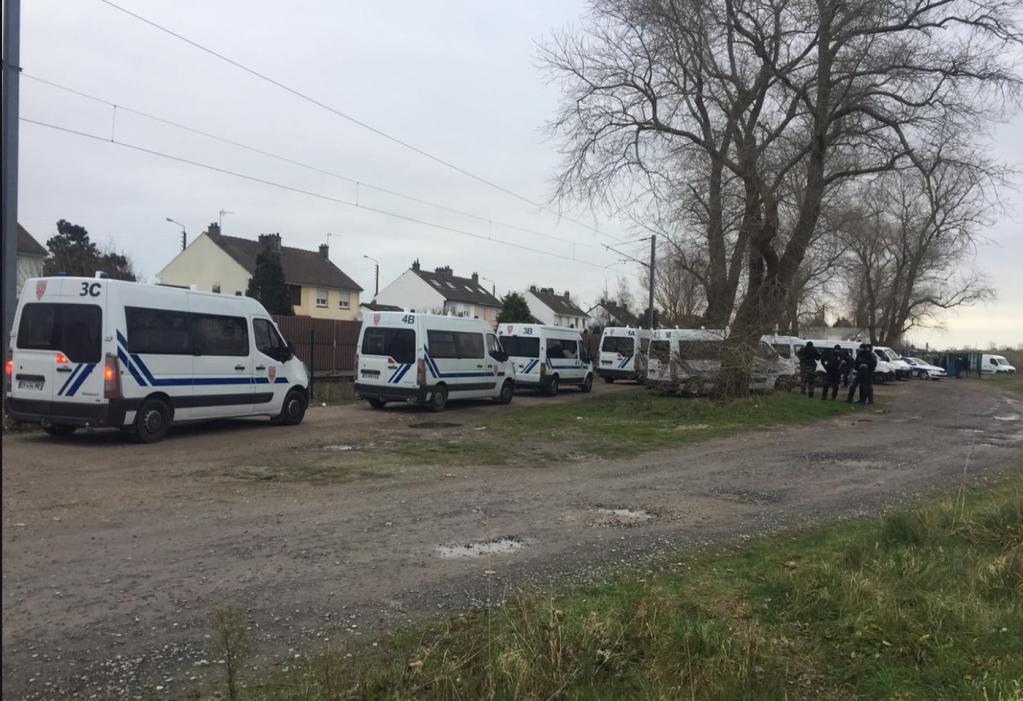 Police vans in Calais, January 12, 2019 | Photo: Utopia 56