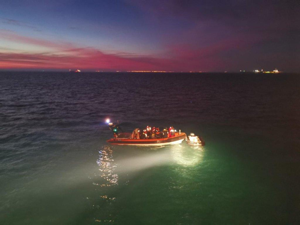 ٥٠ مهاجر یکشنبه ٢٩ دسمبر توسط نیروهای دریایی شمال فرانسه در سه عملیات جداگانه در کانال مانش نجات یافتند. عکس: پرفکتوردریایی شمال فرانسه