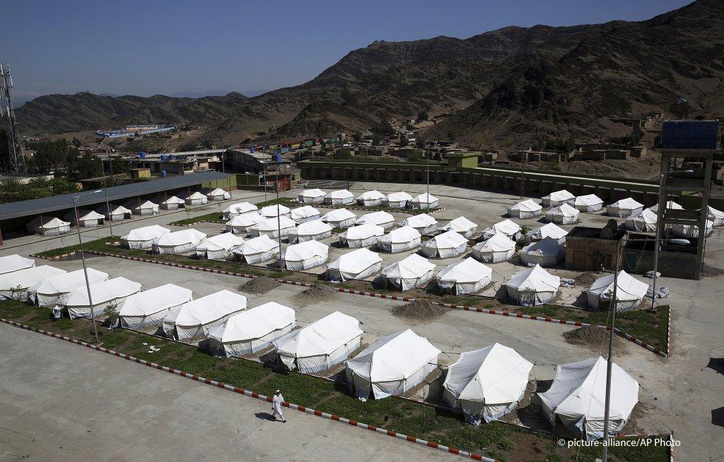 مقام های محلی ولایت ننگرهار خبر دادند که کمپ صحی  را با ظرفیت ۱۰ هزار تن برای قرنطین بازگشت کنندگان تورخم ایجاد کرده اند