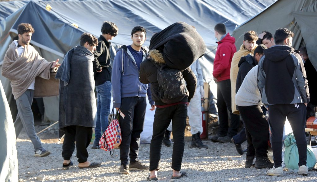 ۱۸ فبروری سال ۲۰۲۱، بوسنی هرزگوین، گروهی از مهاجران در کمپ لیپا./عکس: Photo: EPA/Fehim Demir