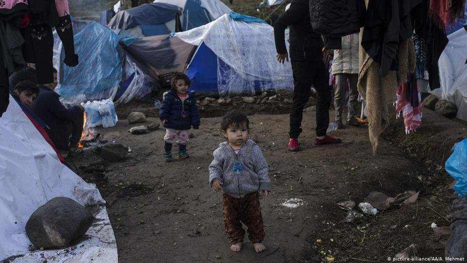 The number of migrant children on the Greek islands is on the rise. Finland is expected to select 175 of the most vulnerable in order to try and alleviate the humanitarian situation | Photo: picture-alliance/AA/A. Mehmet