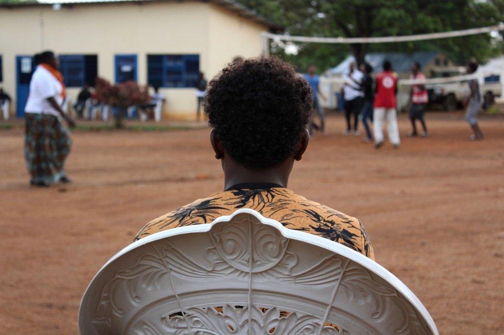 لاجئون في مركز عبور رواندا/ لور بولار FFI