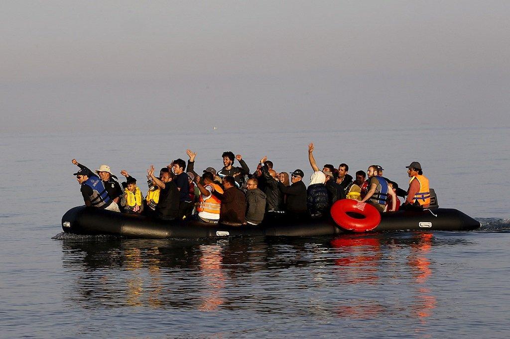 مهاجرون في المانش. الصورة من حساب @EuroMedHR على تويتر