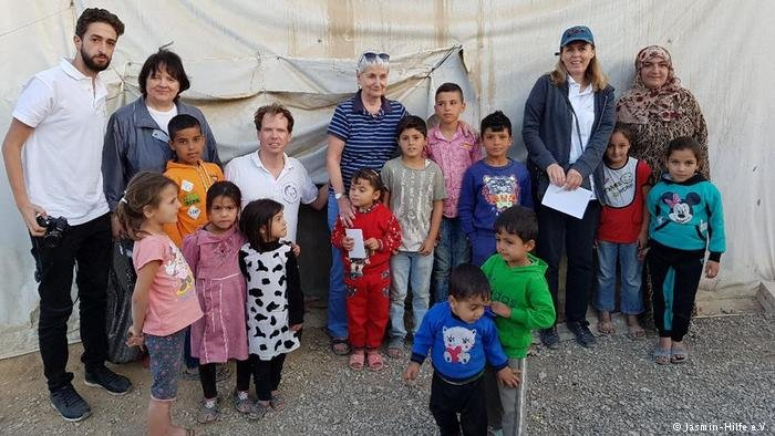 تقدم جمعية الياسمين المساعدة للأطفال السوريين اللاجئين في لبنان
