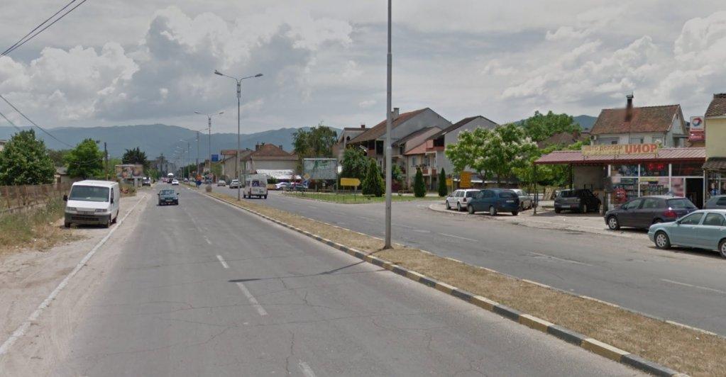 Les 36 migrants ont été découverts dans un camion sur une route de la ville de Strumitsa, dans le sud-est de la Macédoine, près de la frontière nord de la Grèce. Crédit : Google Street View