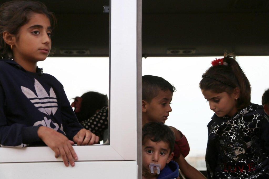 ANSA / أطفال سوريون ممن هربوا مع أسرهم يصلون إلى مخيم بارداراش للاجئين، جنوب مدينة دهوك بإقليم كردستان العراقي. المصدر: إي بي إيه / جيلان حاجي.