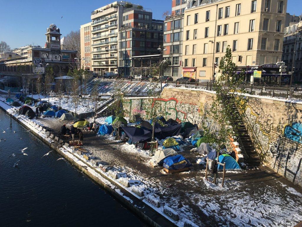 اردوگاه مهاجران در شمال پاریس در زمستان گذشته، عکس از مهاجر نیوز