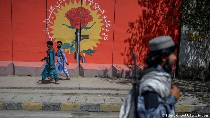 Les talibans ont pris le contrôle de Kaboul en août | Photo : Bulent Kilic/AFP