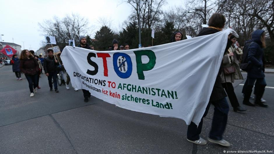 تظاهرات در آلمان علیه اخراج گروهی مهاجران افغان به کشورشان