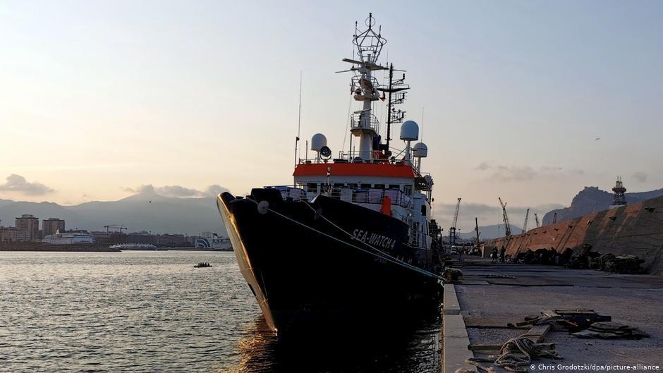Le Sea-Watch 4 à quai à Palerme. Crédit :Chris Grodotzki/dpa/picture-alliance