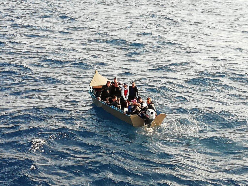 سفينة مهاجرين اعترضها خفر السواحل الإيطالي/ أنسا/ أرشيف