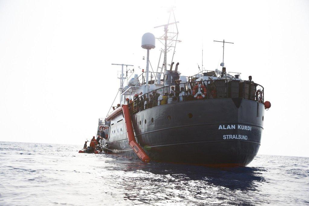کشتی آلمانی آیلان کردی با انتقال چهل پناهجو روز یکشنبه در مالتا لنگرانداخت. عکس از فابیان هینز/ سی ای