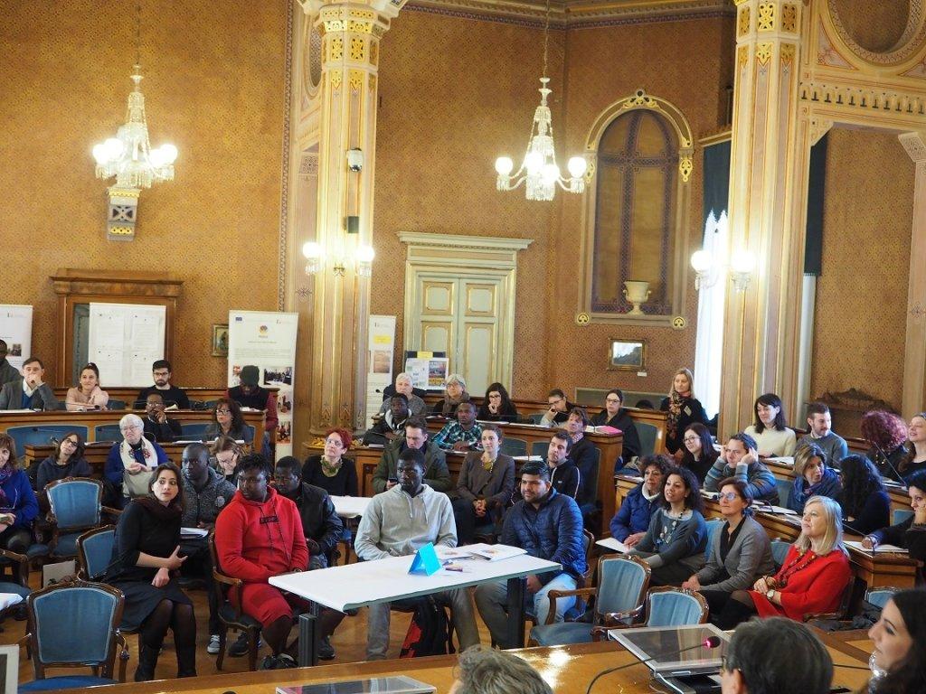 ANSA  /الحضور لحظة عرض المشروع ونتائجه. المصدر: وكالة الانباء الإيطالية / أنسامد.