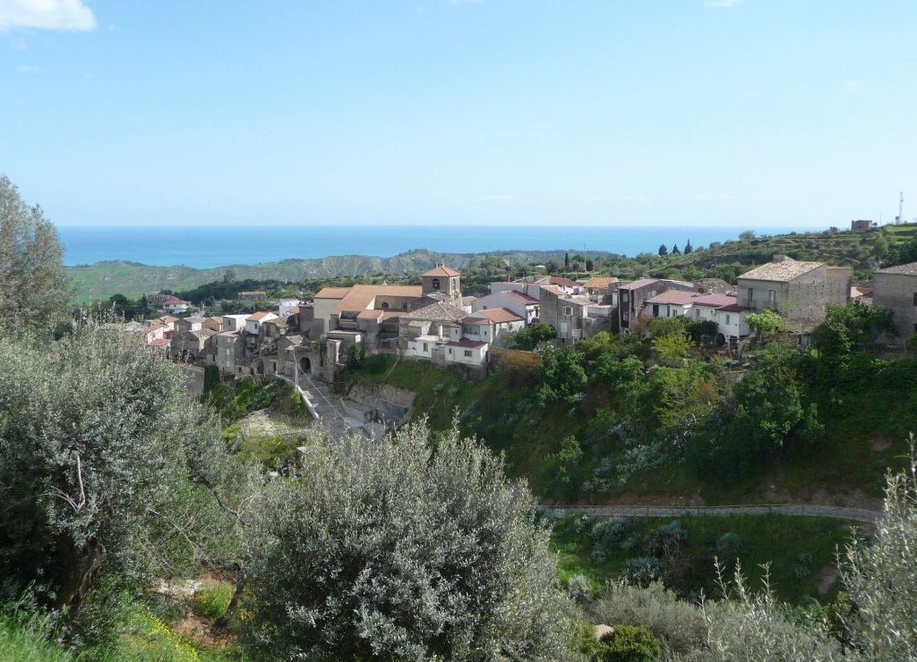 WikimediaCommons/Marcuscalabresus |Le village de Riace dans le sud de la Calabre. (photo d'illustration)