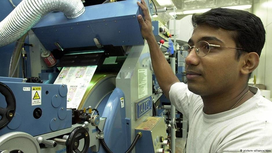 النسبة الأكبر لحاملي البطاقة الزرقاء من الهند